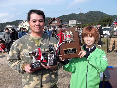 第10回CAST杯エギング大会を制したのは、林 定俊さん